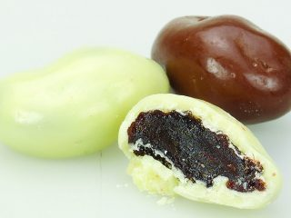 Milk and White Chocolate Jumbo Raisins